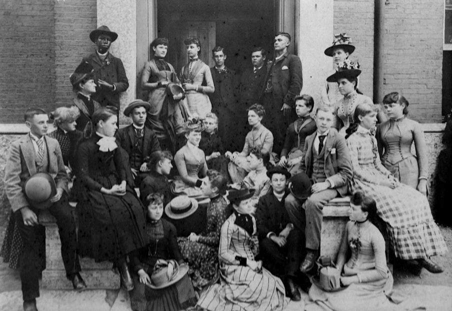 10. Dunbar in H.S. w O. Wright cntr back row